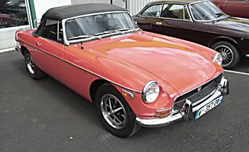 MG/ MGF MGB 1.8 l cabriolet rouge