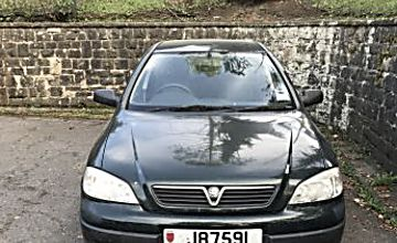 Vauxhall astra (Opel Astra) voiture anglaise